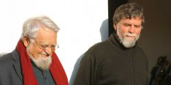 Le fondateur fr. Enzo Bianchi et le prieur fr. Luciano Manicardi