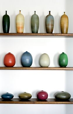 stoneware pottery of Bose