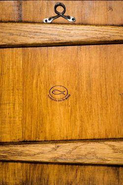 les icônes de Bose, arrière de la table en tilleul et chêne