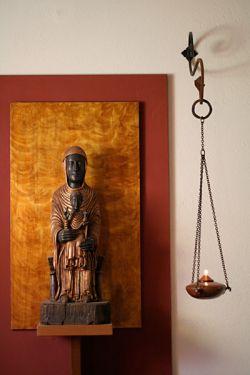 Église monastique, Marie et l'enfant - sculpture sur bois