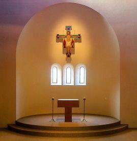 Altare della Chiesa Monastica di Bose